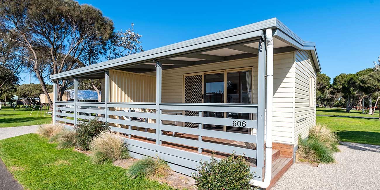 1 bedroom cabin open plan